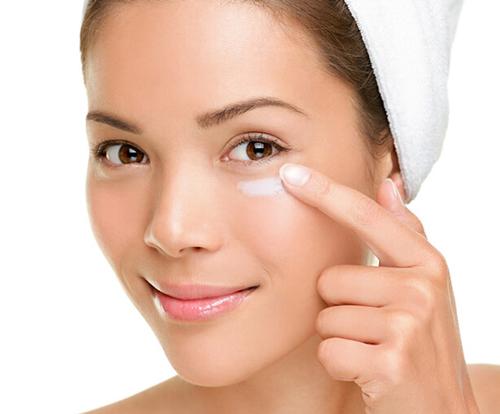 cách sử dụng kem trị thâm quầng mắt kumargic