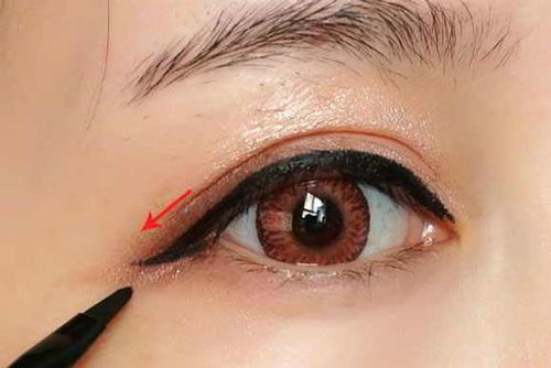để có đôi mắt đẹp tự nhiên