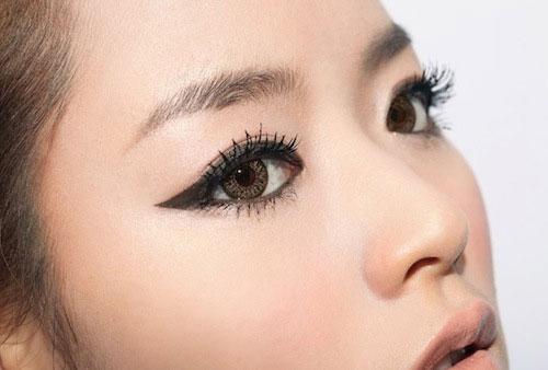 xử lý gel kẻ mắt bị khô