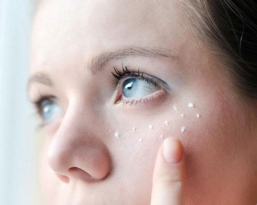cách chữa sụp mí mắt đơn giản